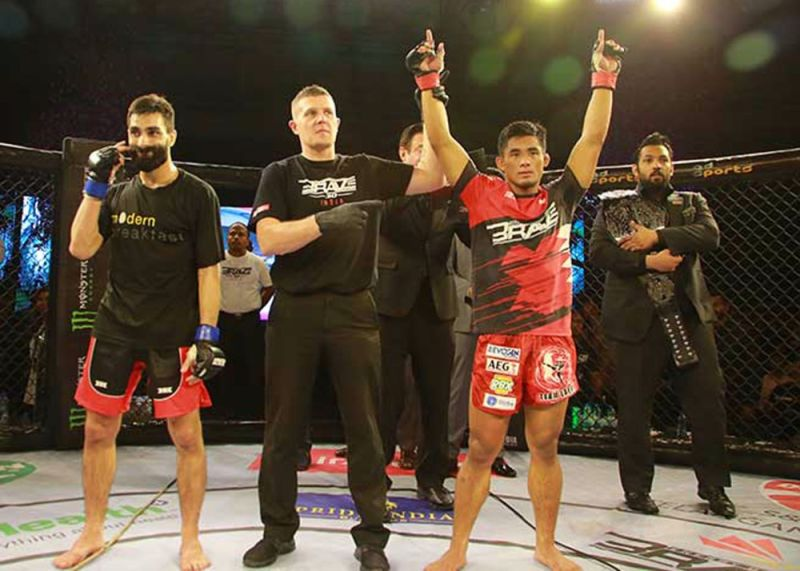 INDIA. Despite a spirited challenge from Louie Sanoudakis, Stephen Loman defended his bantamweight title for the fourth time in the main event of Brave Combat Federation 30 in Hyderabad, India. (Brave CF photo)