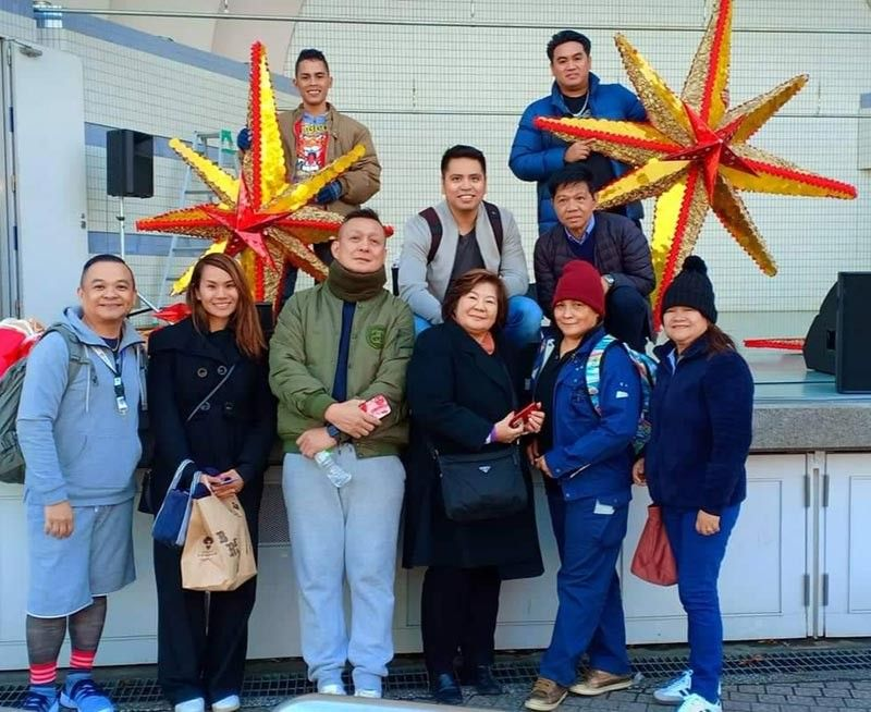 Philippine Festival Organizing Committee Vice Chairman John Lyzander Zynampan, (3rd from left) with PFOC Treasurer Eleanor A. Fukuda, Ningning Tomiyama, Teresa D. Ellera and others gathering at the Yoyogi Park, Tokyo, Japan on November 29, 2019. (SunStar Bacolod)