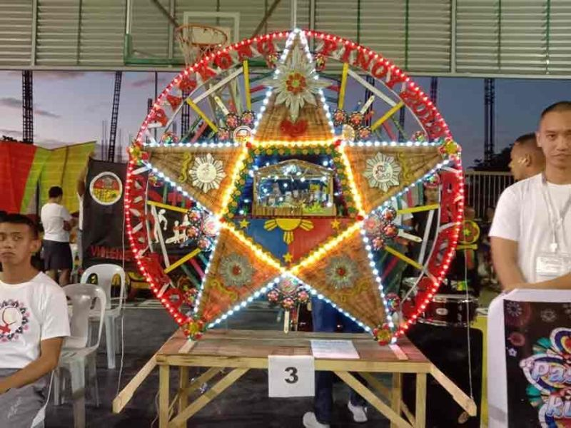 PAMPANGA. Bureau of Jail Management and Penology clinches 2nd runner-up place with their lantern entry in the 2019 Diosdado Macapagal Government Center (DMGC) Lantern Festival. (Jayvee D. Agapito/PIA-Central Luzon)