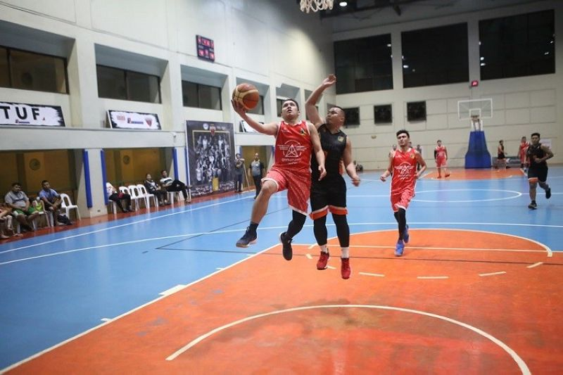 CEBU. The Dyninno Jets pulled off a close 73-72 upset of last year's runners-up, the Kyocera Frontiers. (Contributed photo)
