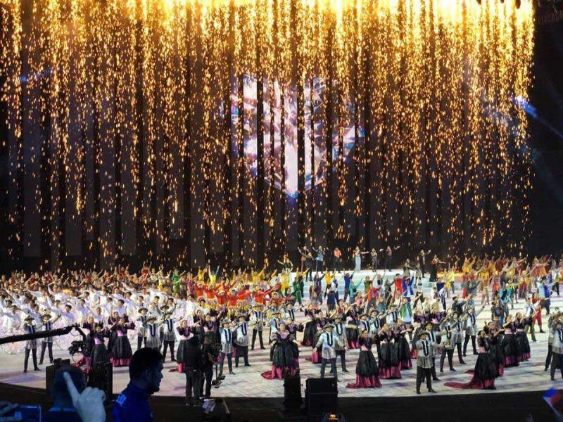 OPENING: Tipik lang kini sa makapangangha nga mga pasundayag atol sa grandiyusong opening ceremony sa 2019 Seag niadtong Sabado sa gabii sa Philippine Arena sa Bocaue, Bulacan. (Seag Facebook Page)