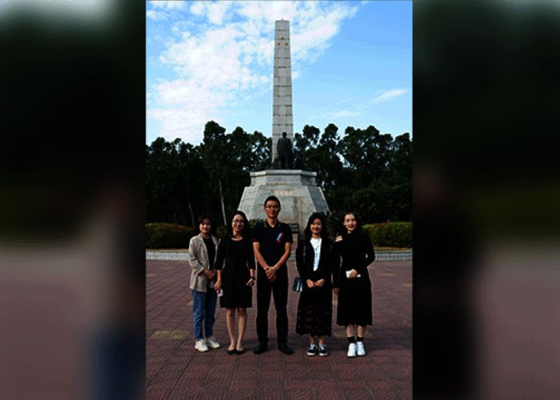 CHINA. Members of the Fujian Provincial Foreign Affairs Office having a groufie behind the Jose Rizal Square in Jinjiang, Fujian Province. Rizal's statue was publicly opened in the late 2000s to honor the Filipino national heroe's Chinese roots. (Ralph Lawrence G. Llemit)