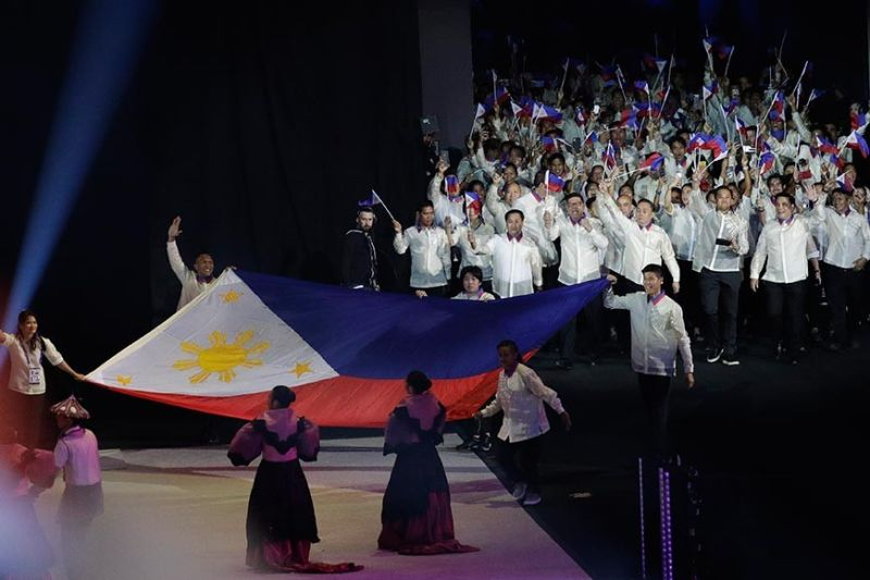 BULACAN. Philippine delegates cheer during the opening ceremony of the 30th Southeast Asian (SEA) Games at the Philippine Arena, Bulacan province, northern Philippines on Saturday, November 30, 2019. (AP)