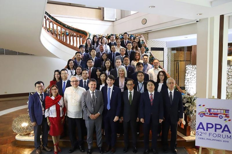 UNITED. After the closed-door sessions, representatives of the National Privacy Commission and international delegates join together in a photo of solidarity. The Philippines is hosting the 52nd Asia Pacific Privacy Authorities Forum in Cebu from Dec. 2 to 3, 2019. (Photo grabbed from the National Privacy Commission Facebook Page)