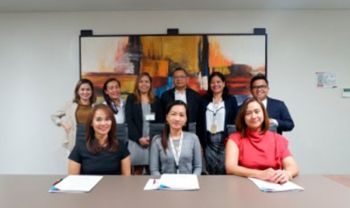 Generali Philippines vice president and sales head Grace Gelle, FLMI, ACS, (seated leftmost), Alliance Software senior human resources manager Rizalina Cañete (center) and Philinsure director and senior vice president Emmaline Wamilda (seated rightmost) lead the MOA signing between Alliance and Generali.