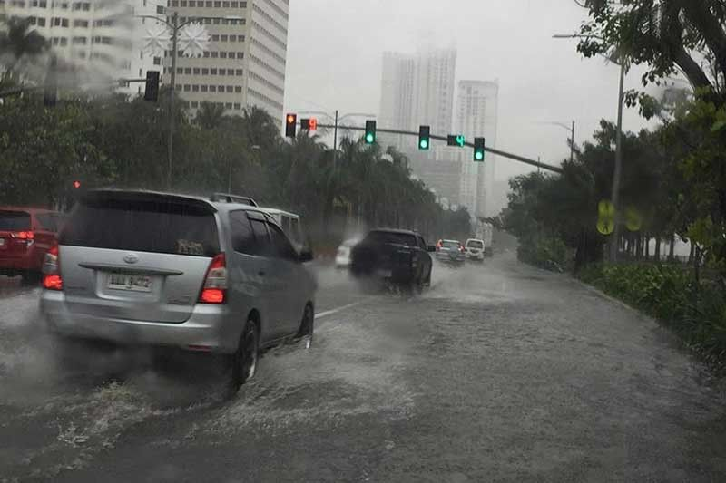 MANILA. Roxas Boulevard is flooded during the onslaught of Typhoon Tisoy on December 3, 2019. (Contributed Photo)