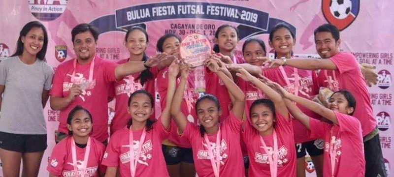 COAA's lady footballers top the 2019 PIA Cup Bulua Fiesta Futsal Festival. (Jack Biantan)