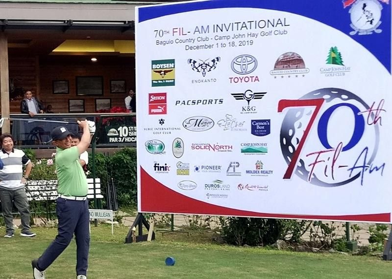 BAGUIO. Baguio City Mayor Benjie Magalong tees off to open the 70th annual Fil-Am Golf Tournament, listed in the Guinness Book of World Records as the largest gathering of amateur parbusters all over Asia and the Pacific. (Photo by Dave Leprozo Jr.)