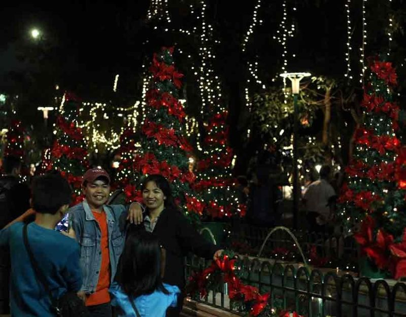 BAGUIO. The beautifully decorated Rose Garden at Burnham Park is a perfect place to witness the enchanting Christmas in Baguio. (Photo by Jean Nicole Cortes)