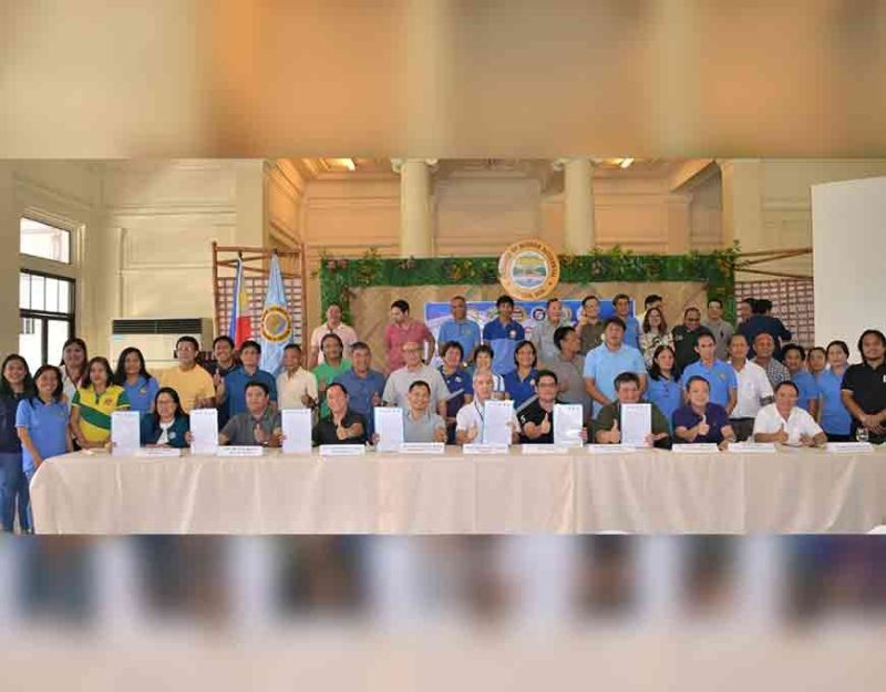 BACOLOD. Seated left to right: Dir. Remia Aparri of BFAR VI, Mayor Marvin Malacon of EB Magalona, Mayor Francis Frederick Palanca of Victorias City, Rep. Kiko Benitez, Gov. Bong Lacson, Mayor Neil Lizares of Talisay, Mayor Mark Golez of Silay, Mayor Gerry Rojas of Murcia, and Provincial Agriculturist, Atty. Japhet Masculino at the MOA Signing for the Third District Coastal Resources Management and Development Council./Capitol photo by Richard Malihan