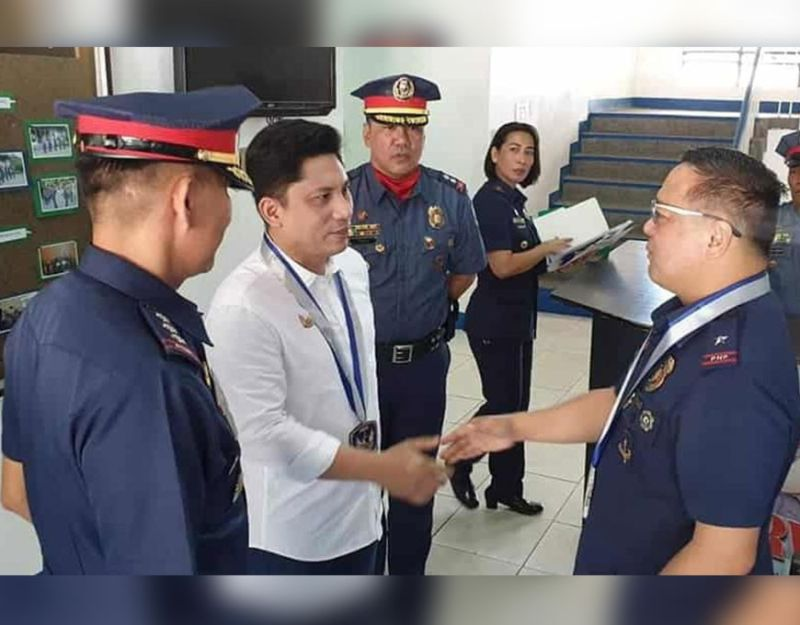 PAMPANGA. Angeles City Councilor Joseph 'PG' Ponce met recently with Police Brigadier General Rhodel Orden Sermonia, regional director of PRO-Central Luzon during a visit to the Angeles City Police Office. Joining them is city police director Police Colonel Joyce Patrick Sangalang. (Chris Navarro)