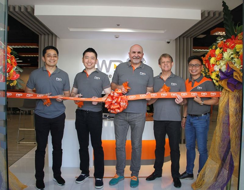ANGELES CITY. FWD Life Insurance Corporation part of pan-Asian FWD Group opened its newest business hub in Angeles City. Formally unveiling the company's newest office are FWD Philippines officers (L-R) Li Hao Zhuang (FWD Group Head of Agency Distribution), Jasper Cheng (FWD Philippines Chief Financial Officer), Peter Grimes (FWD Philippines president & chief executive officer), John Johnson (FWD Philippines chief distribution officer), and Jek Hernandez (FWD Philippines VP and Territory Sales head for Luzon and Metro Manila). The newest business hub is the insurer's 15th in the country and is located at 2/F Metropolitan Centre, MacArthur Highway, Angeles City. (Contributed photo)