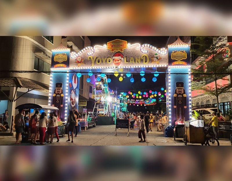 """BACOLOD. The spectacle at the Jerry Sy's """"Yoyo Land"""" Christmas Village located at Barangay 7, Bacolod City. (Contributed Photo)"""