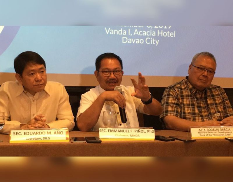 DAVAO. Mindanao Development Authority (Minda) secretary Emmanuel Piñol explains how their Mindanao Water Supply Project could help remote communities gain access to potable water and irrigation in a press conference during the project's launch at Acacia Hotel, Friday afternoon. (Photo by Roberto A. Gumba Jr.)
