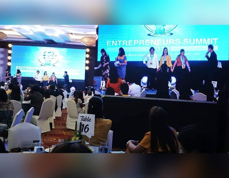 BE ONLINE. Besides urging MSMEs to take advantage of the power of technology, the summit showcases success stories of individuals who have grown their business from micro to small.  (Sunstar Photo / Allan Cuizon)