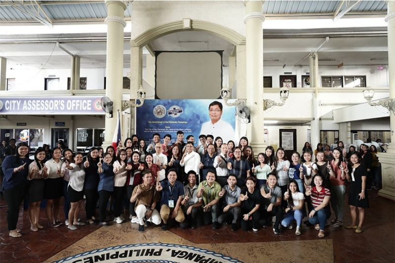 PAMPANGA. The new licensed teachers of City College of San Fernando were recognized on December 9, 2019 at City Hall. The recognition was led by Mayor Edwin Santiago, Vice Mayor Jimmy Lazatin, CCSFP officer-in-charge Gloria Bañas, and other college personnel. (Contributed photo)