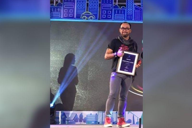 CAGAYAN DE ORO. Si Nef Luczon nga awardee sa Globe Media Excellence Award. (Steph V. Berganio)