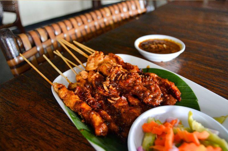 Chicken Satay (Reuel John F. Lumawag)