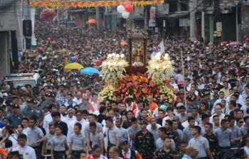 Solemn procession (SunStar file photo)