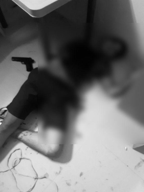 DAVAO. Nagbuy-od nga wala nay kinabuhi ang usa ka gituohang drug pusher human giingong misukol sa kapulisan atol sa buy-bust operation niadtong Biyernes. (Hulagway gikan sa Davao City Police Office)