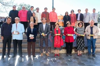BAGUIO. The 16-man Baguio City Advisory Council chaired by Dr. Virgilio Bautista will help the city government led by Mayor Benjamin Magalong to attain the 15-point core development goals. Members of the council include Mr. Avelino Buban, Mr. Benedict Castaneda, Retired Judge Del Claravall, Mr. Edgardo Nevada, Mr. Eddie Carta, Mr. Gabriel Pamintuan Jr., Dir. Helen Tibaldo, Mr. Horacio Templo, Engr. Kane Chanbonpin, Mr. Larry Placido, Dr. Julie Cabato, Chancellor Raymundo Rovillos, Retired Judge Iluminada Cabato, Mr. Victorino Agcaoili, and Dr. Rowena Boquiren. (Photo by Neil Ongchangco)