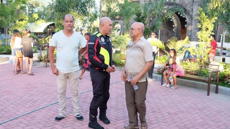 PAMPANGA. Mabalacat City Mayor Crisostomo Garbo was received by Christ Prince of Peace Most Reverend Father Jake Viray and barangay kagawad Jerry Nunag during his inspection of the ongoing rehabilitation of the Mawaque Resettlement Public Green Park in Barangay Sapang Biabas on Sunday, December 15, 2019. (Mabalacat CIO)