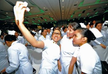 WHERE HAVE ALL THE NURSES GONE? The low salaries offered by private hospitals are reportedly forcing many new nurses to join government health institutions or the Business Process Outsourcing sector, which pay more. As a result, some private hospitals have allegedly been forced to close wards. (SUNSTAR FILE)