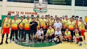 Ang kinatibuk-ang puwersa sa Fighter 50  nga nagpahulagway human sa ilang kadaugan batok sa Siargo New Wave sa pagsugod sa Cebu City Mayor Edgar Labella Cup sa City Sports Institute Gym sa Sawang Calero. (Tampo nga hulagway)