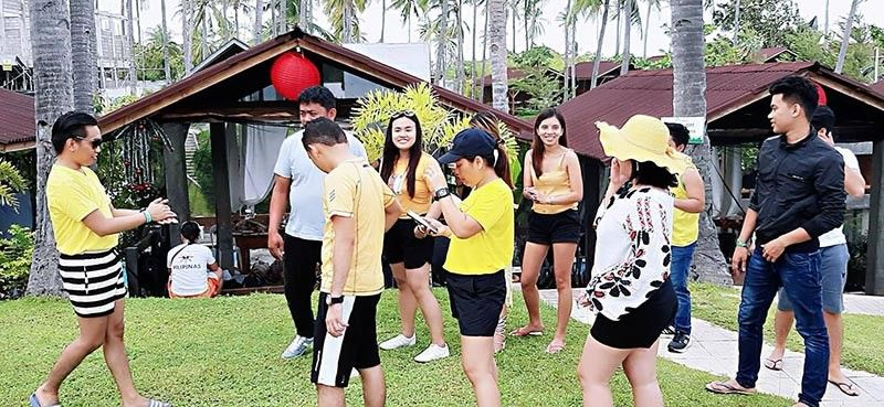 CAGAYAN DE ORO. SunStar Cagayan de Oro's black & yellow Christmas party. (Photo by Stephanie Berganio)