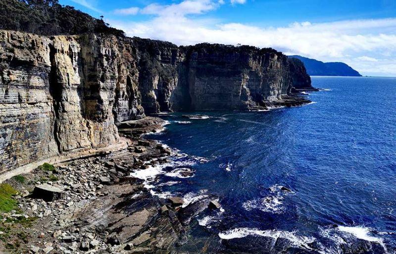 Australia's highest sea cliffs. (Photo by Grace M. Avanzado)