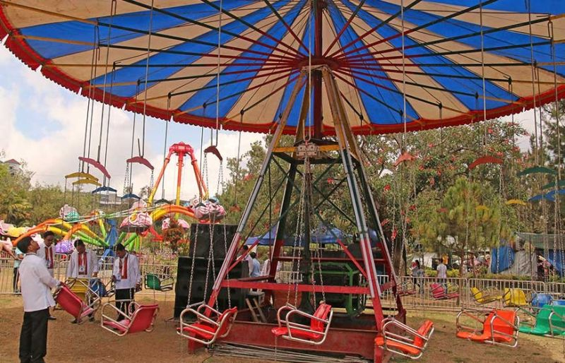 BAGUIO CITY. A carnival operator is once again knocking on the door of the City Council to set up rides at the Children's Playground in Burnham Park. (File photo)
