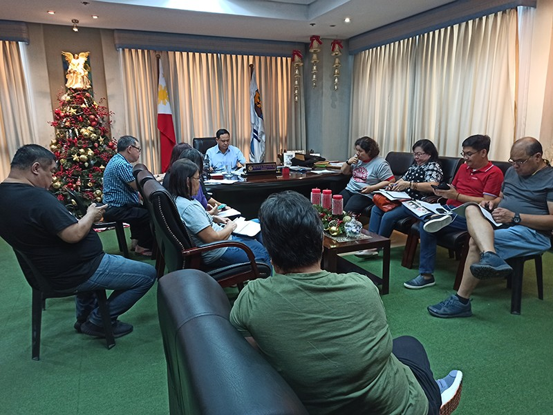 ILOILO. Iloilo Governor Arthur Defensor Jr., meets with the different members of the Provincial Disaster Risk Reduction and Management Council (PDRRC) Wednesday, December 25, 2019 to assess the damage brought about by Typhoon Ursula. (Leo Solinap)