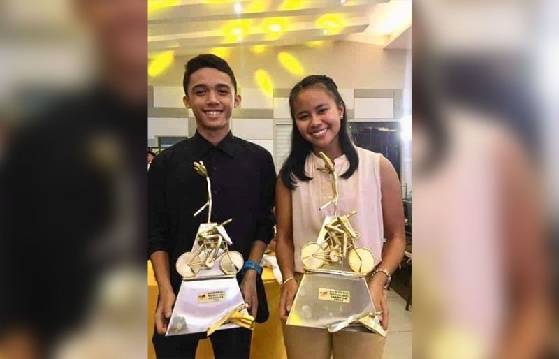 CONTRACT. Moria Frances Erediano and CJ Lipura topped the Go for Gold triathlon series and each earned a professional contract worth P100,000. (Contributed photo)