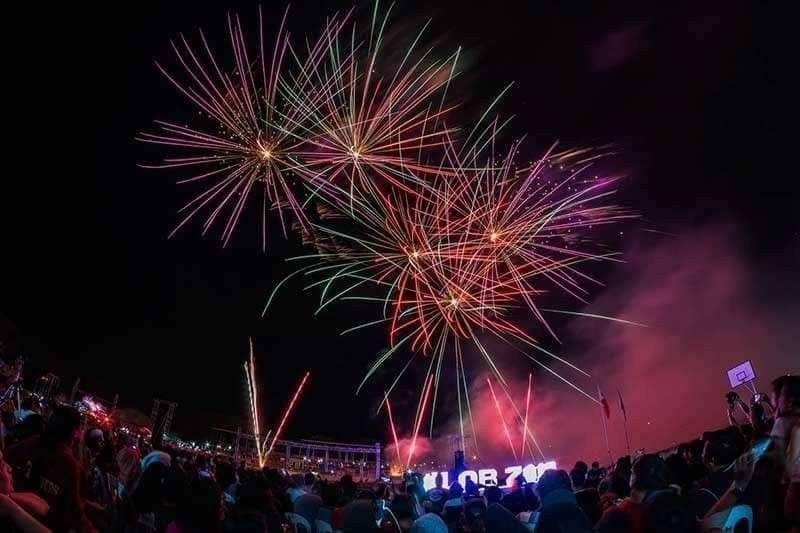BACOLOD. Featuring 80's new wave hits, the grand fireworks display wowed over 35,000 spectators during the 11th Lights of Bago at the Manuel Y. Torres Sports Complex in Bago City on January 1 this year. (Photo by John Kimwell Laluma)