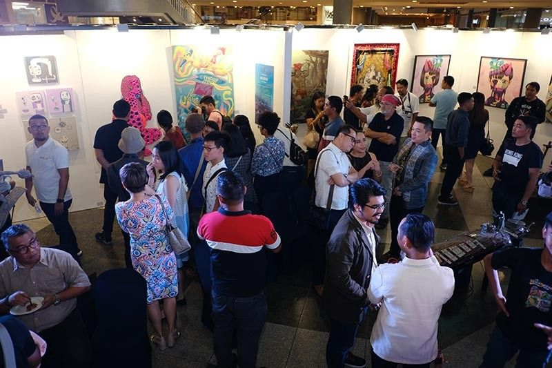 DAVAO. The exhibit drew in crowd, especially during the weekend when this was opened to the public, with more than 10,000 recorded as having entered and viewed in two days. (Mindanao Art photo)