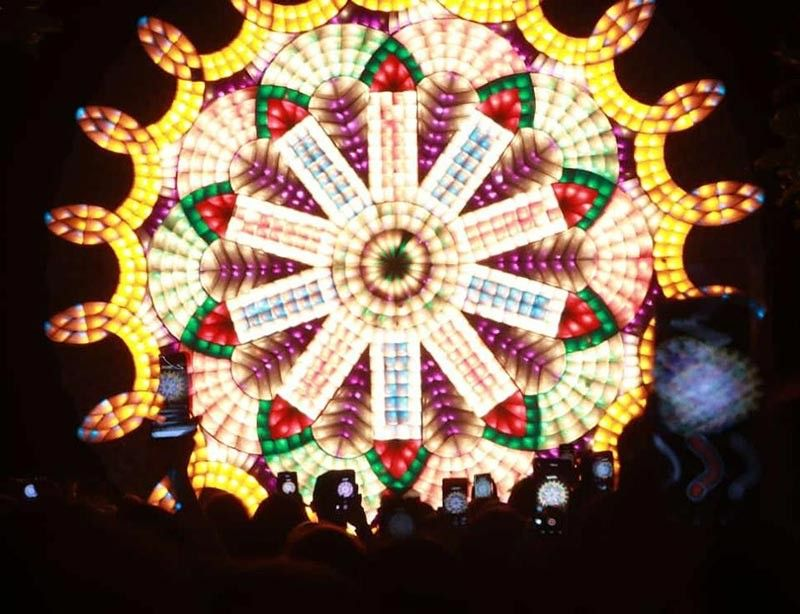 PAMPANGA. Spectators take pictures and videos of San Fernando's giant lanterns during the Giant Lantern Fair and Fireworks Display at Ayala MarQuee Mall, Angeles City over the weekend. (Photo by Chris Navarro)
