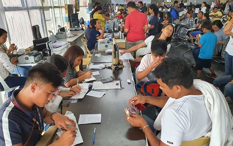 TAXING TASK. The Cebu City Business Permit and Licensing Office has started its one-stop shop operations on the second floor of SM City Cebu in Barangay Mabolo on Thursday, Jan. 2, 2020. (SunStar photo / Arni Aclao)