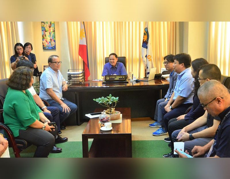 ILOILO. Officers of the Korea International Cooperation Agency (Koica) led by Country Director Song Minhyeon paid a courtesy visit to Governor Arthur Defensor Jr. on November 5, 2019 to update the latter on the project. They were accompanied by Concepcion Mayor Raul Banias. (Contributed photo)