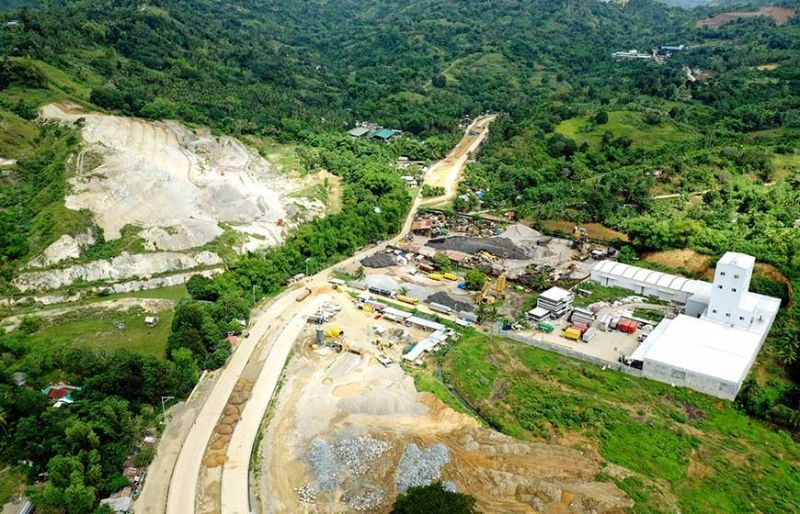 STALLED PROJECT. Work on Segment 3 of the Metro Cebu Expressway project in  Barangay Pangdan, City of Naga has been stalled by residents who refuse to leave their properties. (SunStar photo / Allan Cuizon)