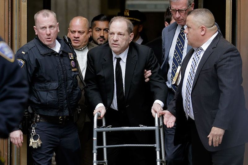USA. Harvey Weinstein leaves State Supreme Court in New York, Monday, January 6, 2020. The disgraced movie mogul faces allegations of rape and sexual assault. (AP)