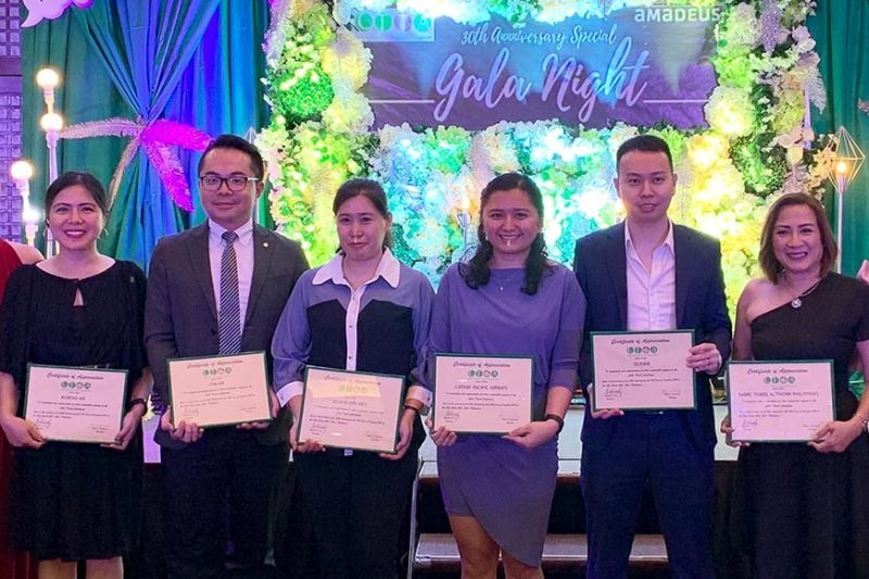 The airline awardees, from left, Nina Tunacao of Korean Air, Larry Lu of Eva Air, Stephanie Terne of Asiana Air, Jessica Fernandez of Cathay Pacific, Jake Yeow of SilkAir, Herica Climaco of Sabre Phils.