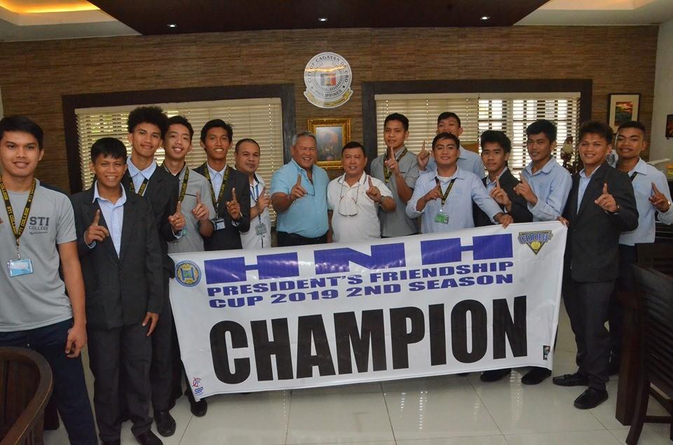 MINDANAO. STI Olympians on Monday's (January 6) courtesy call at the office of Cagayan de Oro City Mayor Oscar S. Moreno. (Contributed photo)