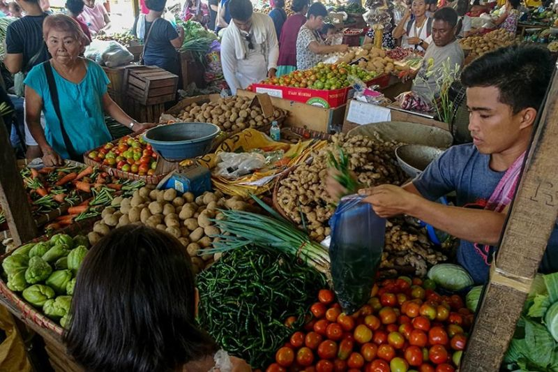 STEADY. The country has ended 2019 with steady inflation, well within the Bangko Sentral ng Pilipinas' two to four percent target.  The government is advised to remain vigilant and proactive in managing the impact of potential sources of price pressures. (SunStar file photo)