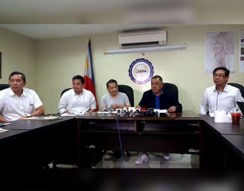 MANILA. Land Transportation Franchising and Regulatory Board (LTFRB) board member and technical working group (TWG) for motorcycle taxis chairman Antonio Gardiola (second from right) and other TWG officials hold a press conference on Tuesday afternoon, January 7, 2020. (Photo grabbed from LTFRB video)