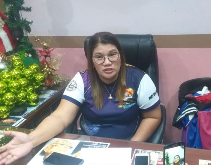 NEGROS. La Castellana Mayor Rhumyla Nicor-Manguilimutan in an interview at her office recently. (Photo by Erwin P. Nicavera)