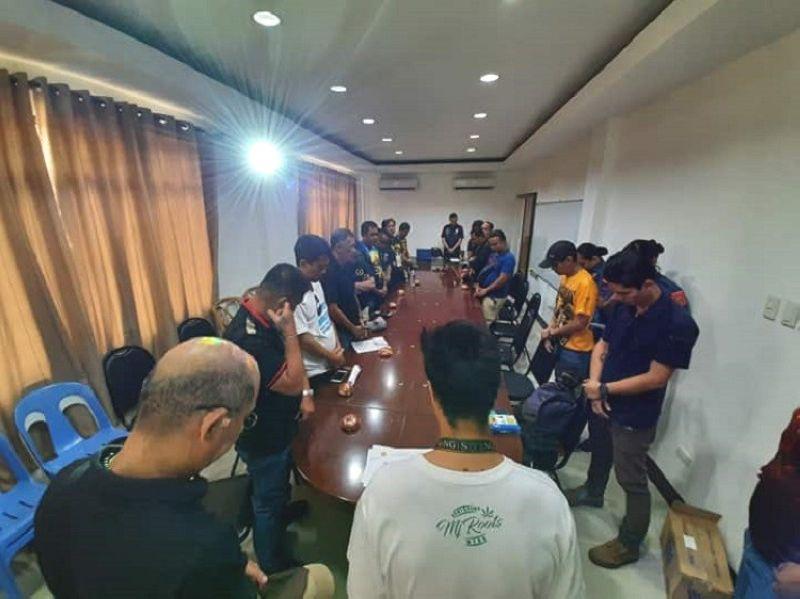 CEBU. Grupo sa mga fraternity sa Sugbo nagtagbo Miyerkules sa buntag, Enero 8, 2020 sa Cebu City Police Office alang sa himuon nga peace covenant subay sa umaabot nga kalihukan sa Sinulog. (Hulagway kuha ni Arnold Bustamante)
