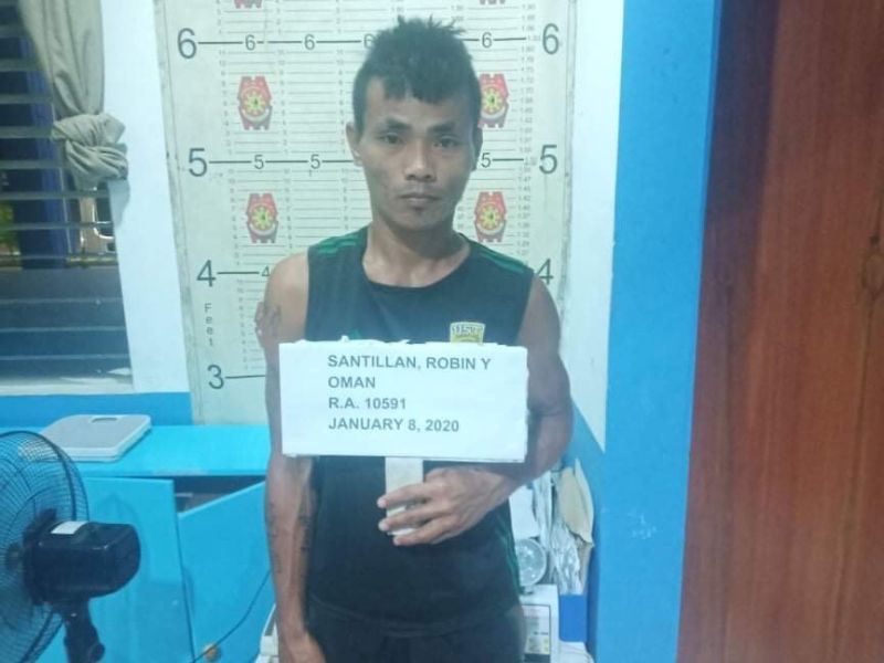 BACOLOD. A 30-year-old man was arrested on Wednesday afternoon, January 8, 2020, for illegal possession of firearms at Reclamation Area, Bacolod City. (BCPO photo)