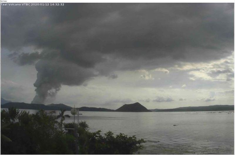 Taal Volcano spews ash. (Photo courtesy of Phivolcs)