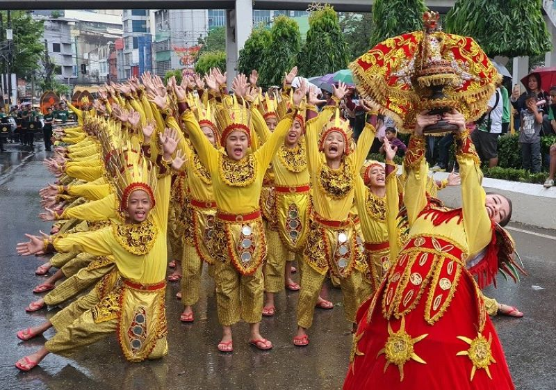 Contingent from Barangay Guadalupe (Photo by Arni Aclao)