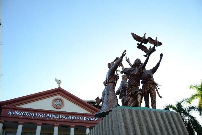 The Commemorative Monument of Peace and Unity fronting Sangguniang Panlungsod was made by Davao artist Kublai Millan. It depicts the unity of the Christians, Lumad, and the Muslims. (Reuel John F. Lumawag)